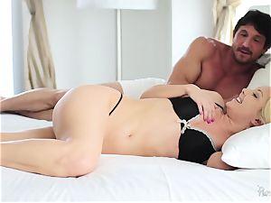 Aaliyah love woken for sizzling sex