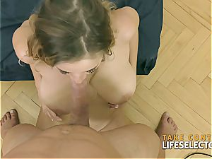 Candy Alexa BigBoobed cougar in act (