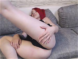 Camgirl Nina devil zeigt sich im Wetlook