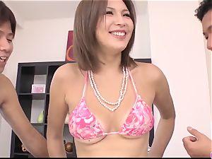 suntanned Mai Kuroki practice with 2 males