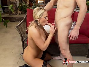 Olivia Austin has her sumptuous pussylips plowed deep