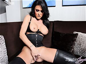 hot dark-haired honey Jessica Jaymes messing with her muff