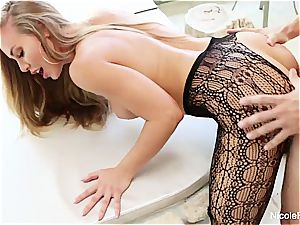 big-boobed Nicole Aniston takes a pecker deep in her raw vagina