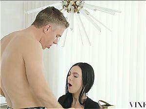 Marley Brinx has an extramarital escapade with her chief Mick