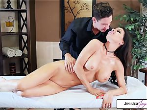 Jessica Jaymes takes Brad's meaty stiffy and gets nailed