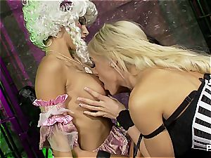 meaty titted lesbos pussylicking
