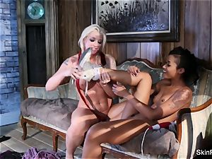 physician Who g/g fetish fun with skin and Leya