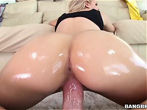 Jessa Rhodes is lubricated up and prepared to be pounded