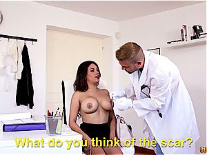 medic romps the brand new enormous udders of his adorable Latina client