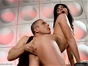 tipsy super-bitch gets porked in nightclub