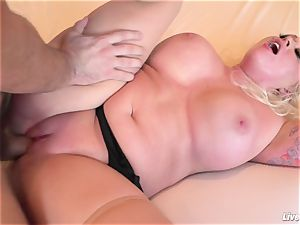 LiveGonzo Angel Vain Gets her booty fucked
