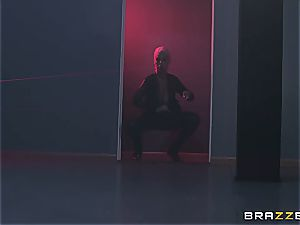 molten milf screwed by security guard with a bbc