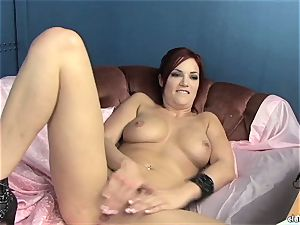 voluptuous Jayden Cole enjoys taunting her jummy humid pearl