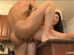 stunning London Keyes gets plowed on the kitchen counter